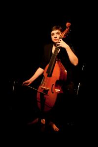 julie dessaint, julie, dessaint, ensemble, enharmonie, viole, gambe, violone, orchestre, chambre, musique, classique, baroque, biographie, photo, photos, bio, cv, concert, agenda
